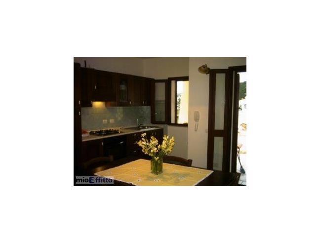 Affittasi appartamento vacanze a cala gonone casa for Case kit 4 camere da letto