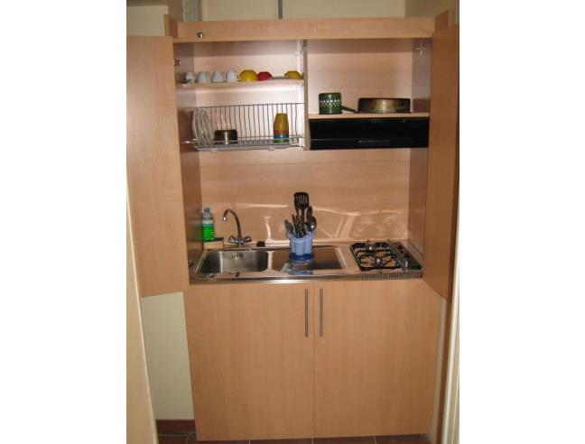 Monolocale con cucina e bagno per vacanza massimo 3 mesi - Casa ...