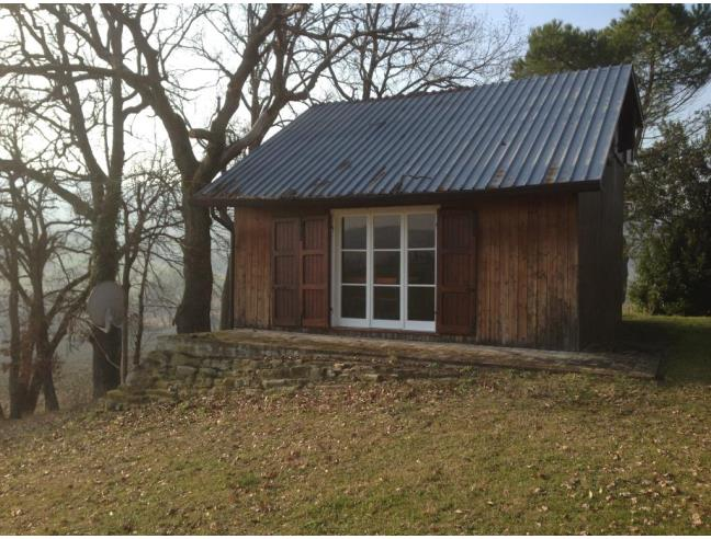Piccola casetta in legno casa vacanza a cesena tessello for Baita di legno