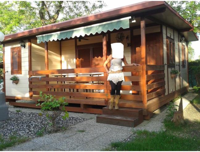 Casetta in legno bungalow in campeggio casa vacanza a for Case bungalow progettano immagini filippine