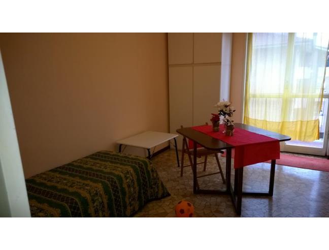 Anteprima foto 1 - Affitto Stanza Singola in Appartamento da Privato a Milano - Lorenteggio