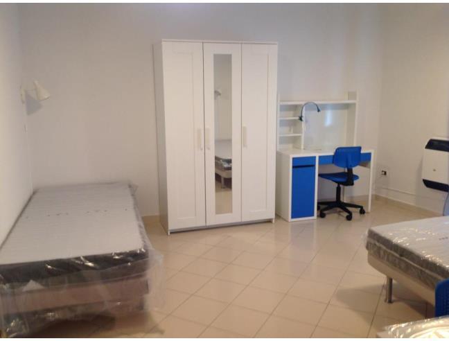 Anteprima foto 3 - Affitto Stanza Singola in Appartamento da Privato a Napoli - Corso Umberto