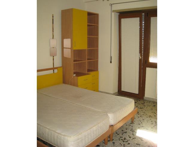 Camera Matrimoniale A Roma.Ampia Camera Matrimoniale Uso Singolo Affitto Stanza A Roma