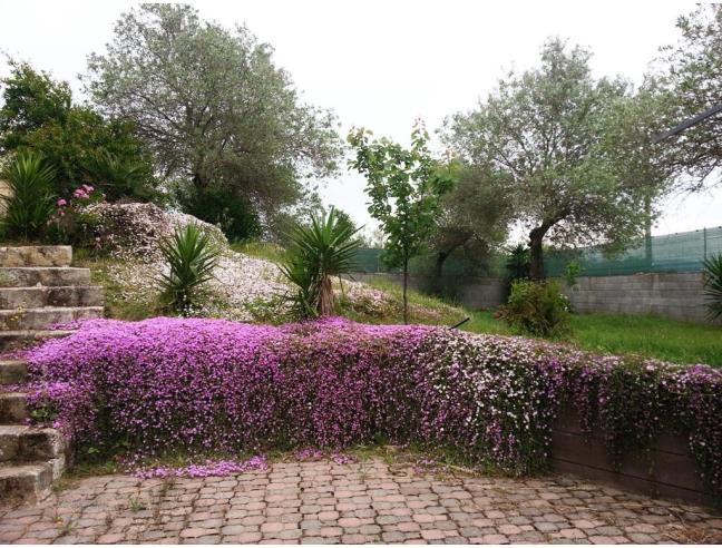 Casa di campagna con giardino e alberi casa vacanza a for Giardini case di campagna