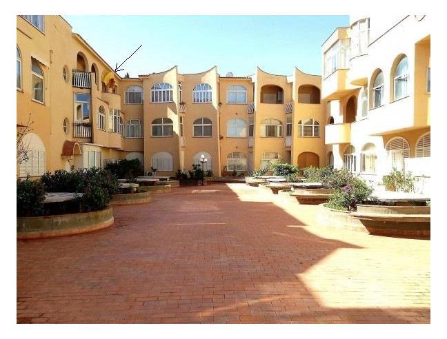 Bivani arredato residence ashur mondello affitto for Appartamento arredato palermo