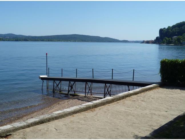 Appartamento sul lago ad arona vendita appartamento da for Appartamento sul lago