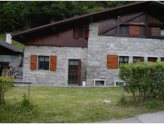 Baita di montagna ristrutturata vendita baita chalet for Kit da baita di 5 camere da letto