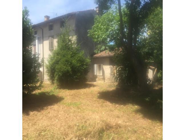 Abitazione unifamiliare con cortile a lucinico vendita for Tre piani di casa camera da letto ranch