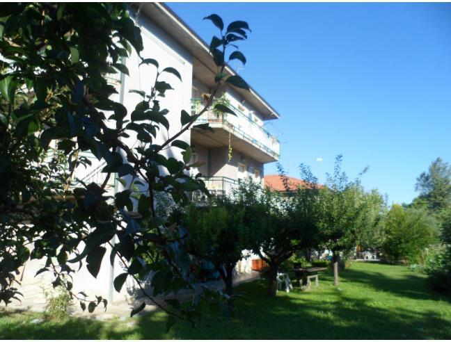 Palazzina 3 piani con giard 3 abitaz 2 locali comm for Casa a 5 piani in vendita