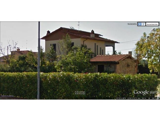 Casa indipendente unifamiliare con giardino e garage for Piani casa bungalow con cantina e garage