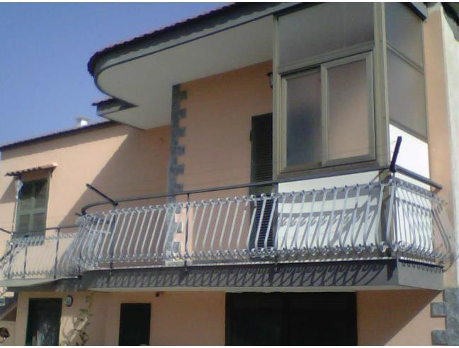 Villetta a due livelli vendita casa indipendente da for Case in vendita torre del greco
