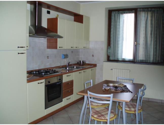APPARTAMENTO - Vendita Casa indipendente da Privato a Varedo (Monza ...