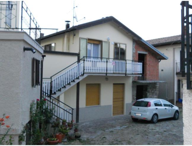 Vendo casetta su 2 piani vendita casa indipendente da for Piani di casa di villa spagnola