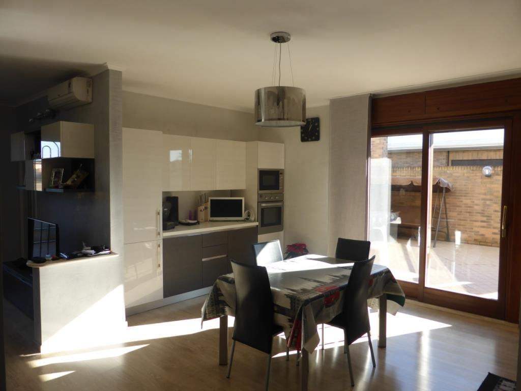 Appartamento castelverde attico e superattico vendita for Planimetrie dell appartamento del garage di una camera da letto