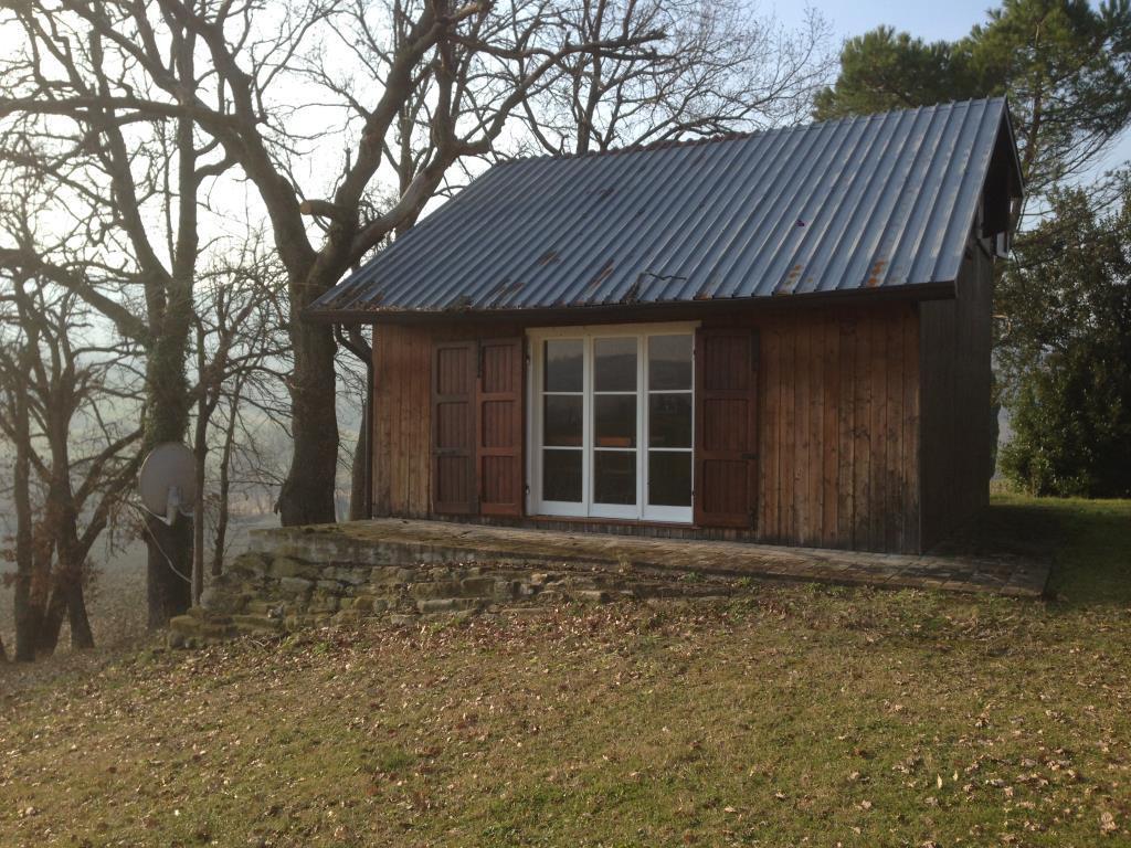 Piccola casetta in legno casa vacanza a cesena tessello for Piccola casetta in legno
