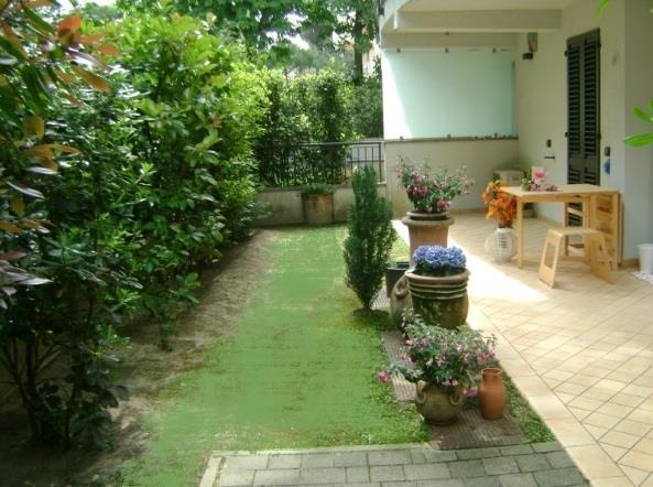 60mq milano marittima 2adulti 2bambini 60mq giardino for Software di piano di pavimento del garage