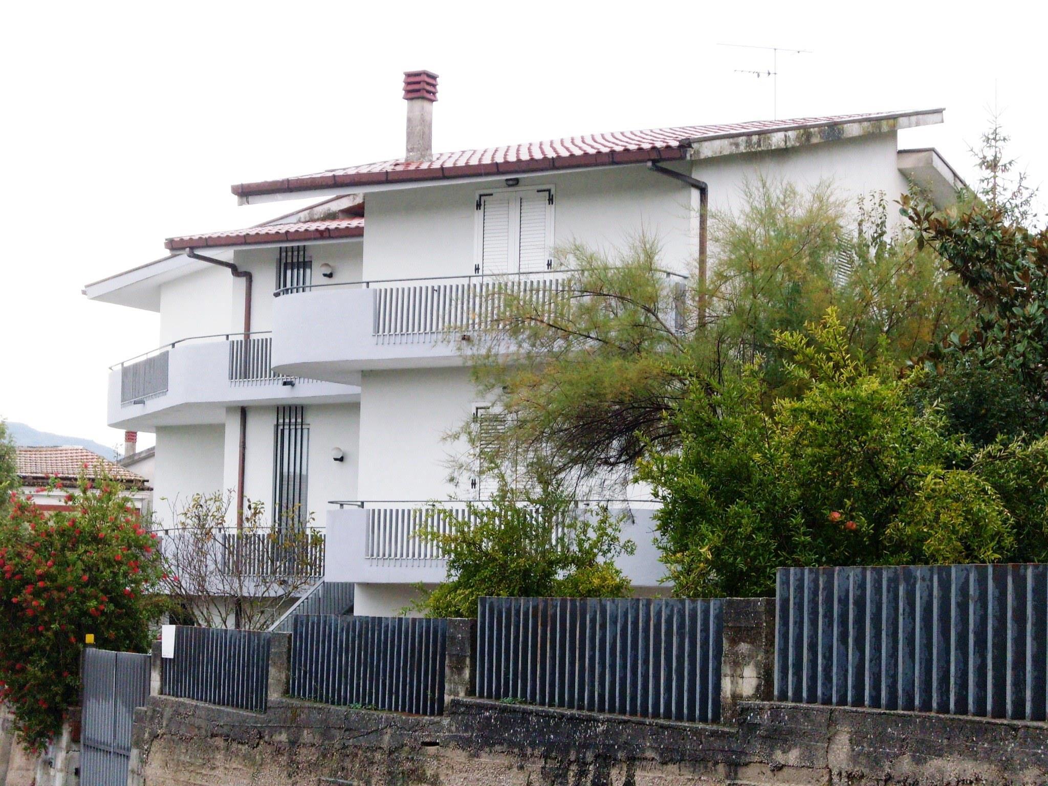 Villa abitabile in vendita vendita villa da privato a for Monte alloro affitti di cabina