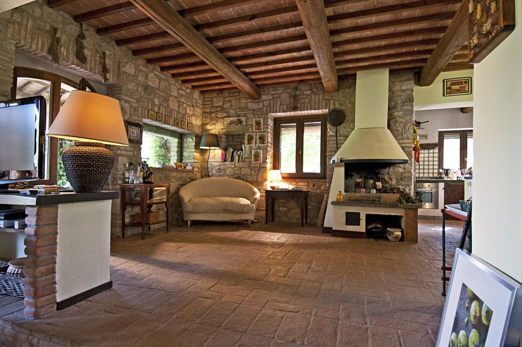 I camini casa vacanza a monte castello di vibio perugia for Piani casa vacanza con seminterrato sciopero