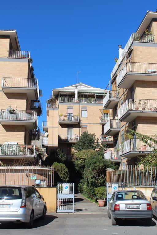 Attico mansarda vendita appartamento da privato a roma for Case 5 camere da letto in vendita vicino a me