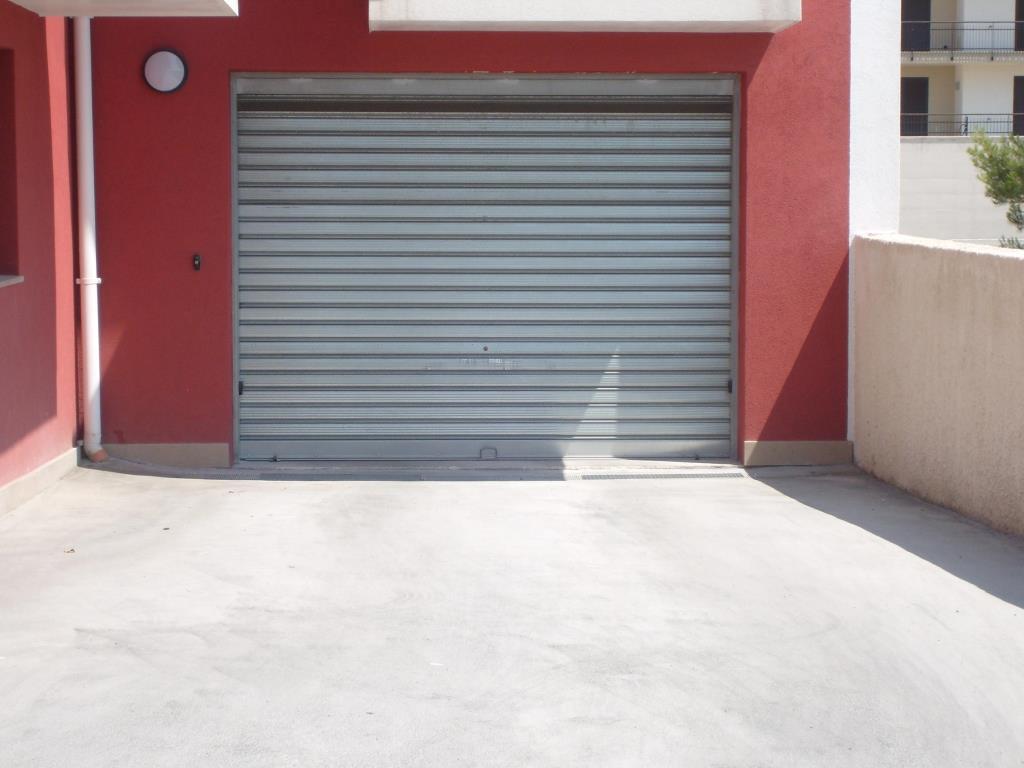 Nuovo garage deposito con cortile esterno 70 20 mq vendita magazzino a crispiano taranto 272 - Immobile non soggetto all obbligo di certificazione energetica ...
