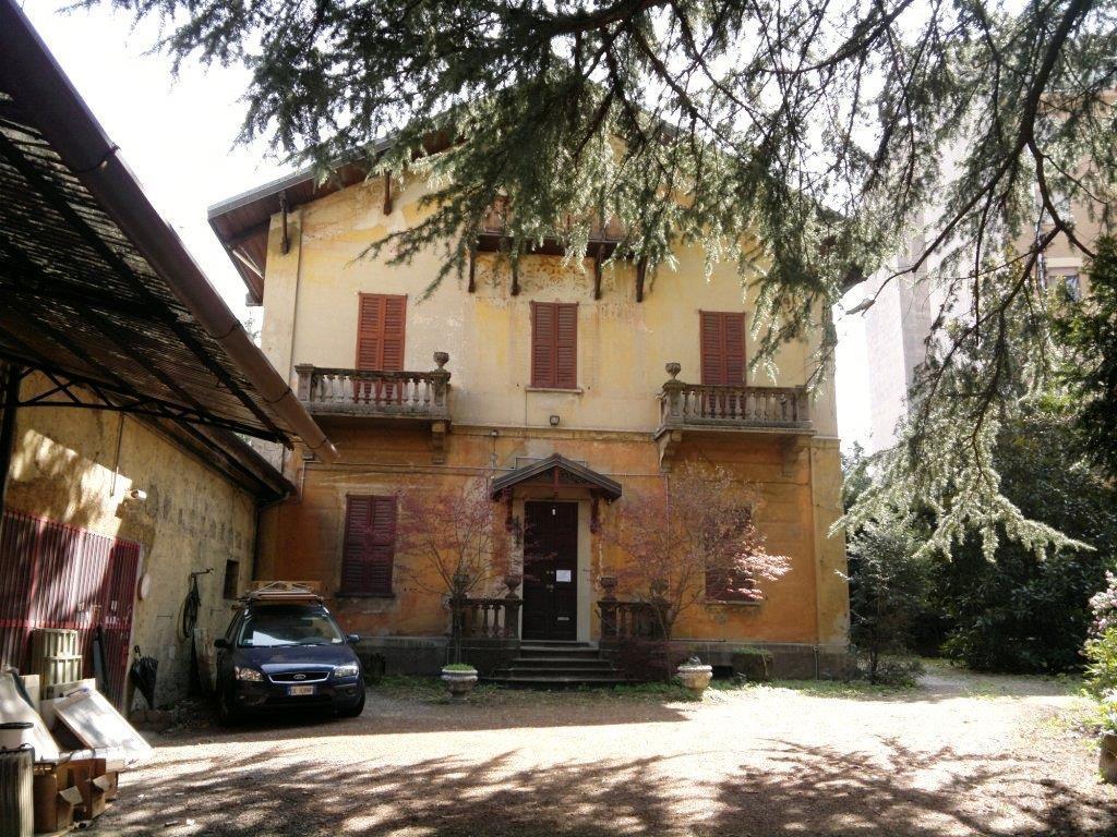 Villa in centro varese vendita villa da privato a varese centro citt 15407 - Immobile non soggetto all obbligo di certificazione energetica ...