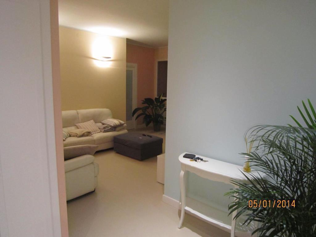 Appartamento ristrutturato vendita appartamento da for Casa con 6 camere da letto in vendita vicino a me