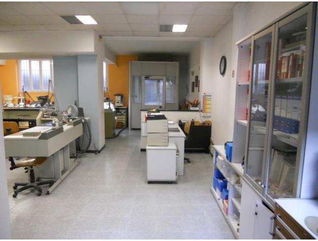 Laboratorio open space viale monza vendita laboratorio a - Arredo bagno viale monza milano ...