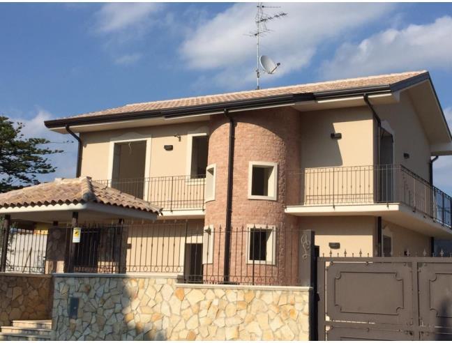 Villa singola case nuove costruzioni a mascalucia for Nuove case da 1 piano