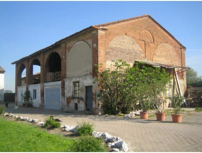Casa di lusso zona caorso nella pianura piacentina for Descrizioni di casa di lusso