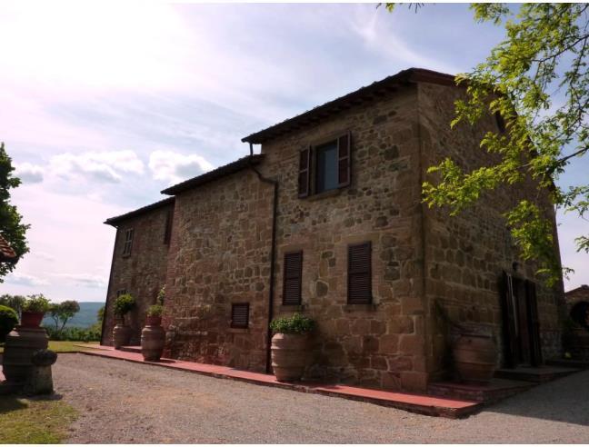 Case In Pietra E Mattoni : Splendido casale in pietra e mattoni in posizione panoramica