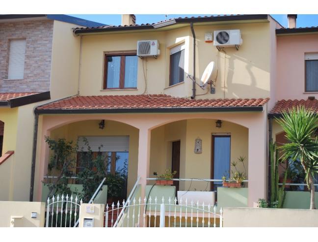 Villa a schiera su 3 livelli, con seminterrato - Vendita ...